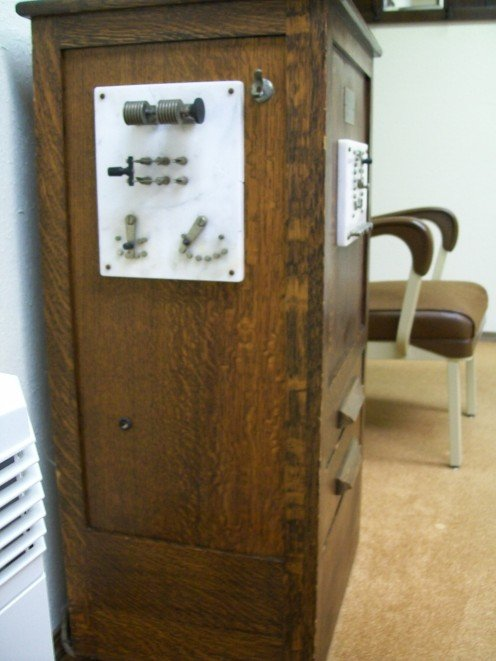 Right side view of cabinet where the 'power' dials were.