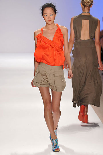 Korean Model Hyoni Park - Slouchy Top