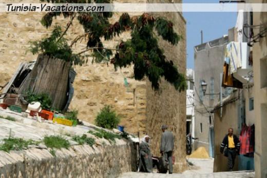 Get lost in a medina