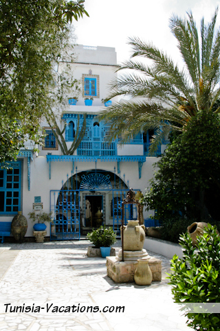 Visit the museum of a typical home in Sidi Bou Said. It's tucked away - look for it.