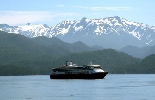 An Alaskan cruise is the vacation of a lifetime for many people.  Early planning can save you money.