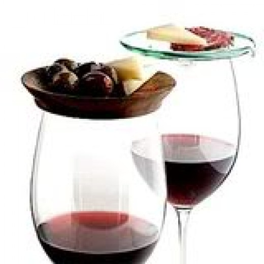 Glasses of red wine, safe from all impurities!