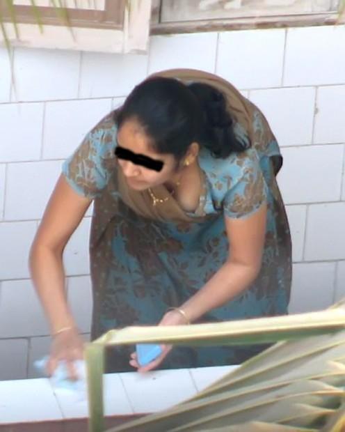 Kodhay Uttay Hidden Cam Hot Desi Women Pictures