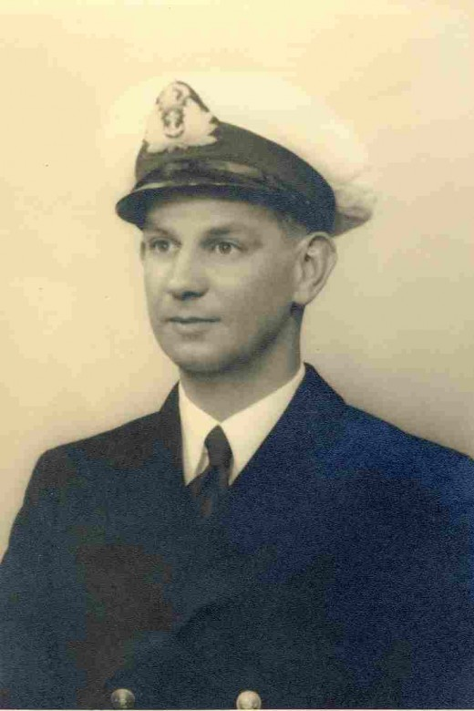 Murray McGregor in his South African Naval Forces uniform and cap. Most likely taken about 1943. Photo by Taylor's Studios, Cape Town