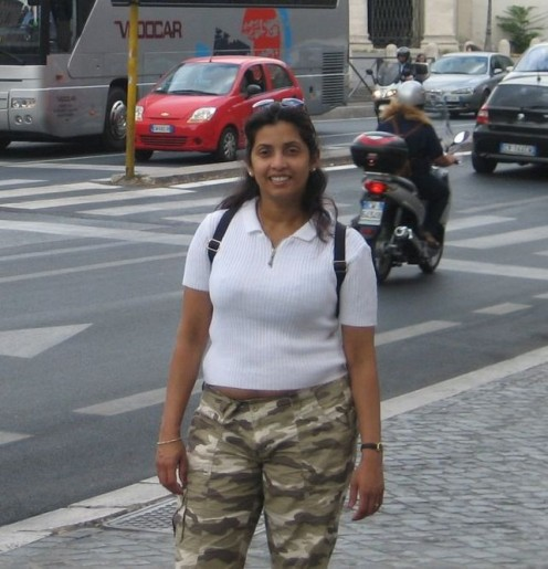 photos of big fat aunty on trip to italy and paris Image 4