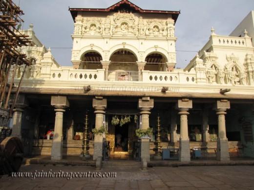 Jain mutt temple at Shravanabelagola-18th century building.But idols inside are older.(karnataka)