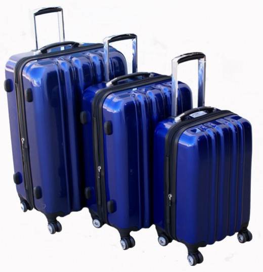 Heys USA zCase Collection 4-Wheel Spinners-Sapphire Blue    http://www.airlineinternational.net/heusazcosbl.html