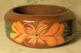 Norwegian style design on another wide wooden bangle
