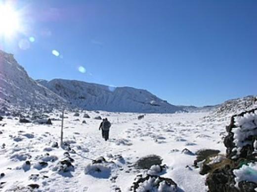 The hike up Tongariro Crossing