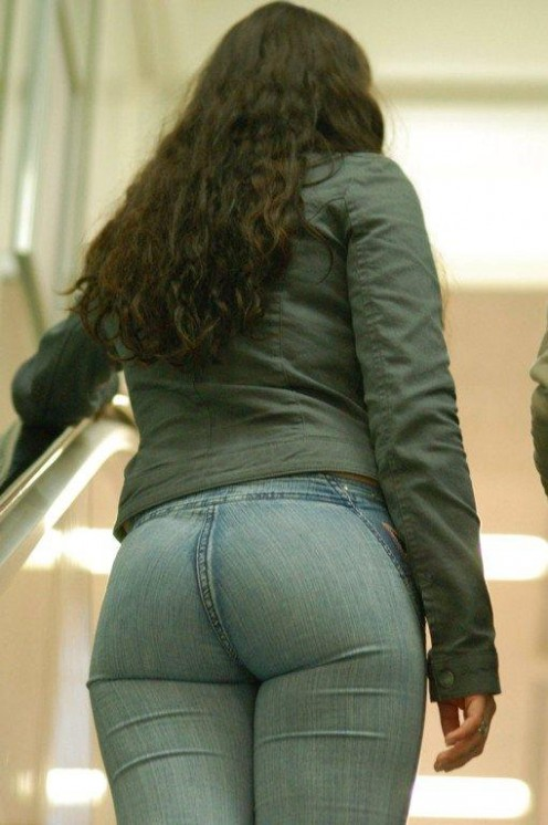 Tight Gand in Tight Jeans