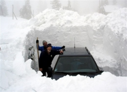 Considered by many to be the national sport of Canada: Winter Car Clearing - rickschettino.com