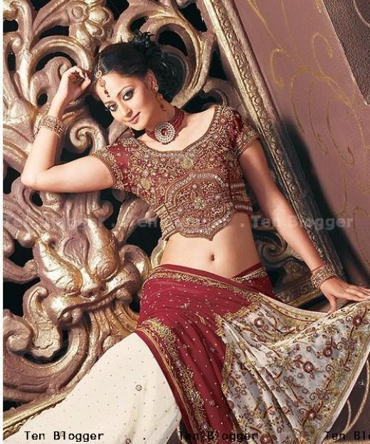 Bridal Saree: specially Designed For Wedding Marun & Cream Combination Work