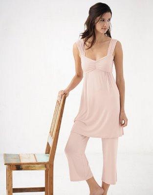 http://fashionsalon.blogspot.com/2009/02/sexy-pajamas-for-valentines.html