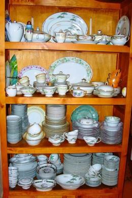 Crockery Shelf - Arrange them in style !!!!