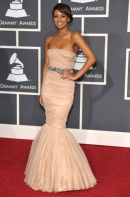 Miss Keri Baby, Keri Hilson looked stunning in this tube dress that fit her slim sexy shape. Cute babes.