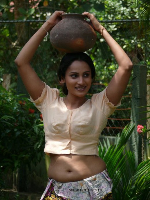 Main actress of Dutugemunu Movie, Oshani Dias photo collection, download, trailers, posters, songs