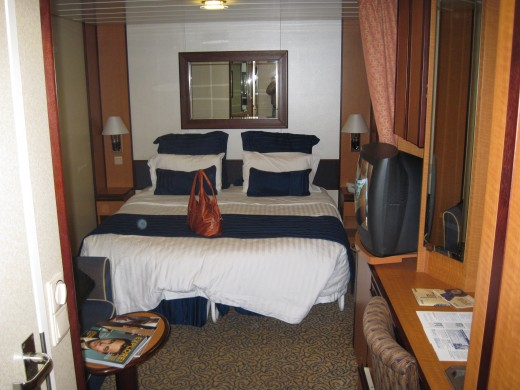 "Double bed in cabin on Royal Caribbean Cruise Lines' cruise ship ""Jewel of the Seas"""