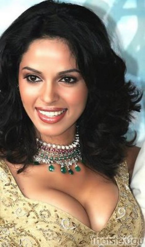 Sexy Boobs Show of Mallika Sherawat Photos Image 1