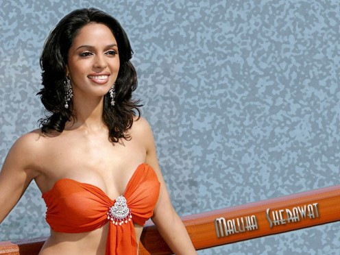 Sexy Boobs Show of Mallika Sherawat Photos Image 3