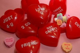 Plastic hearts filled with candy! Have a heart hunt at your party!