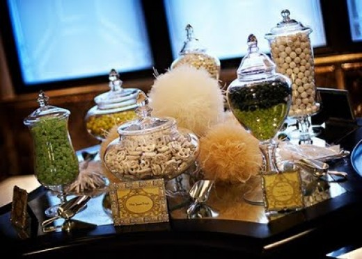 WEDDING CANDY BUFFET DISPLAY WHITE GREEN YELLOW IDEA