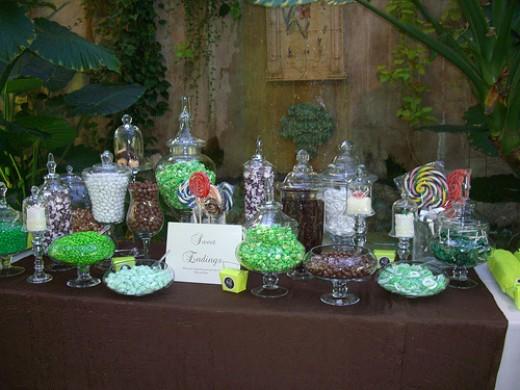 WEDDING CANDY BUFFET TABLE DISPLAY GREEN BROWN IDEA