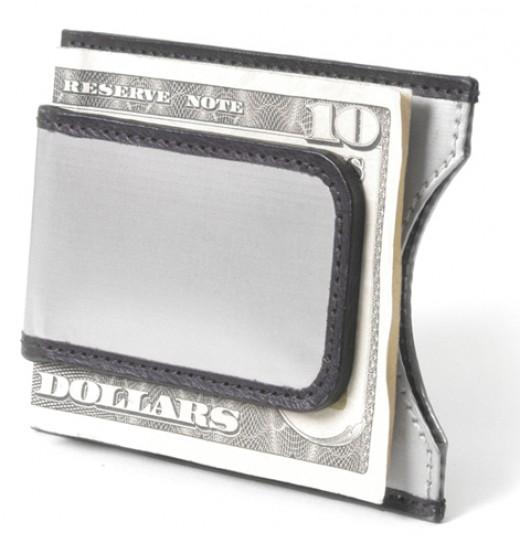 Stewart/Stand Stainless Steel Magnetic Money Clip      http://www.airlineinternational.net/stststmamocl.html