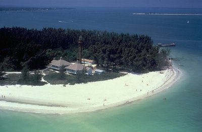 Enjoy gorgeous water on Sanibel Island vacations - perfect for snorkeling and diving!