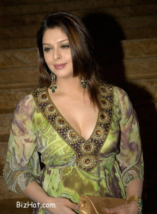 Nagma hot bollywood actress