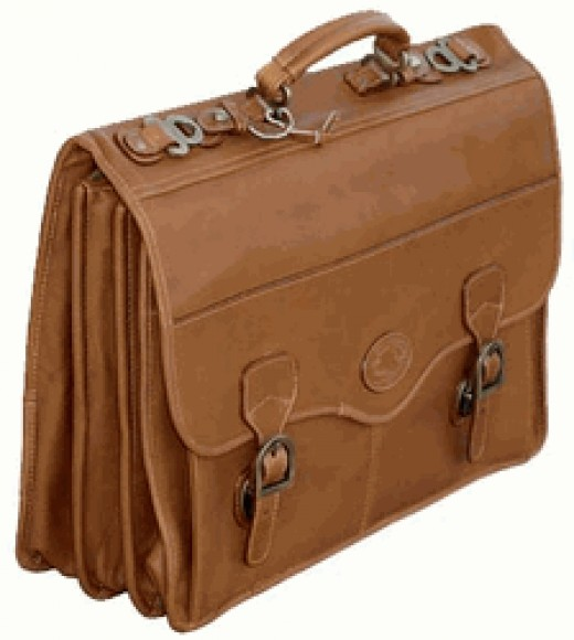 Santa Fe Laptop Brief by Dilana        http://www.airlineintl.com/product/santa-fe-laptop-flap-brief-by-dilana-1