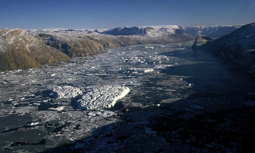 Greenland scene.  Image courtesy Hannes Grobe and Wikimedia Commons.
