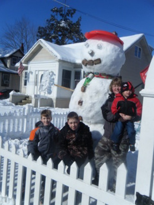 8 ft snowman created by Park Family, Burlington City, NJ-  BurlingtonCountyTimes.com