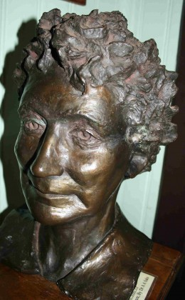 Bust of Isie Smuts (Ouma)