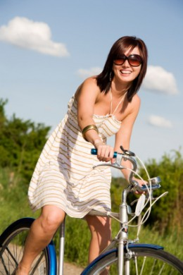 how biking helps the environment By amanda strusienski as more people are trying to live sustainably, new ways  of helping the environment are being sought one major way is.