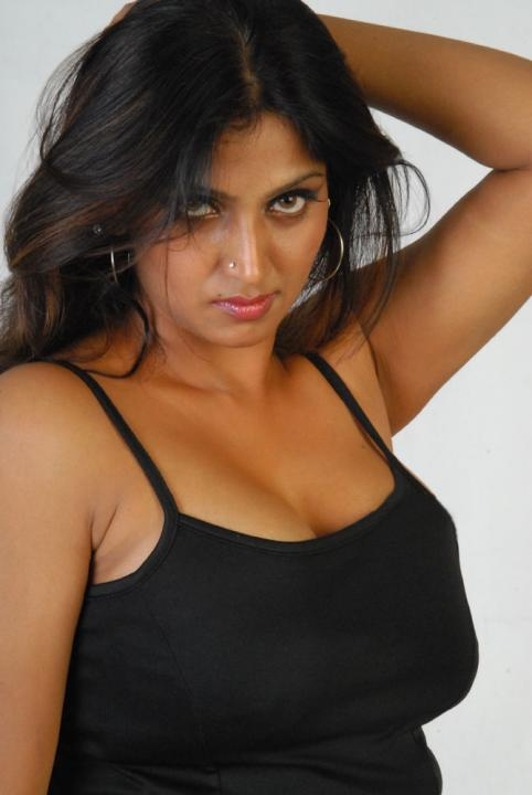 Buvaneswari - Oh she is really sexy