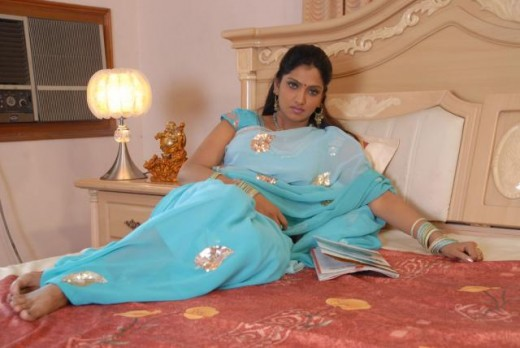 Big Buavaneswari in a Saree