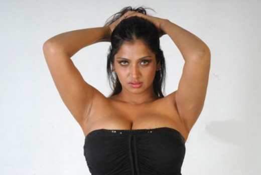 Hot Buwaneswari