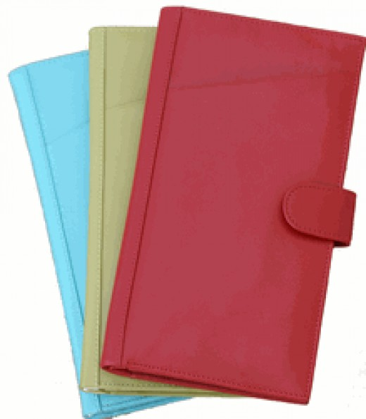 Leather Passport Cases in Assorted Colors      http://www.airlineinternational.net/lepawa.html