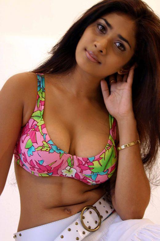Sexy hot photos of Anarkali Akarsha 1