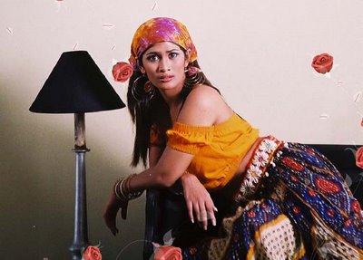 Sexy hot photos of Anarkali Akarsha 9