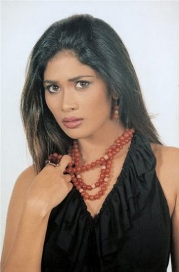 Sexy hot photos of Anarkali Akarsha 10