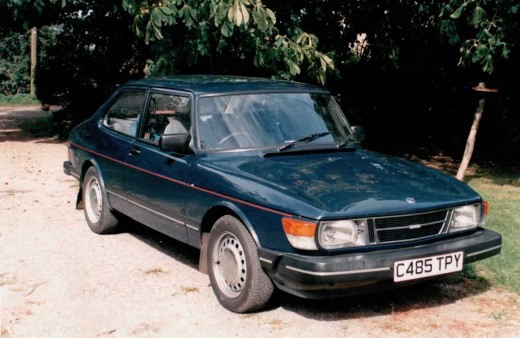 A Saab 90, just like flying an aeroplane - circa 1989