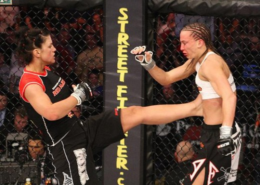 Mid-fight, Carano was known for throwing strikes as well as crippling kicks to her opponents.