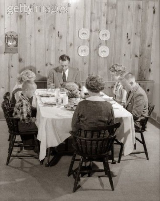 FAMILY DINNER BEFORE SOCIAL LIBERALS RUINED AMERICA