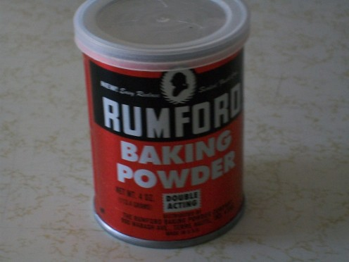 Rumford baking powder does not contain any aluminum.  Good!