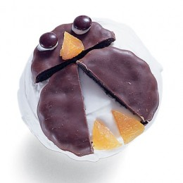 Penguin Cupcake Idea courtesy of Family Fun