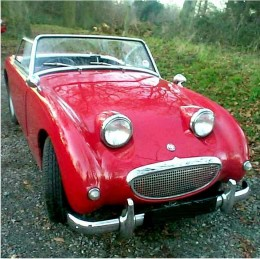 Austin Healey Bugeye Sprite by Derrick Rowe. A public domain image from Wikimedia Commons.