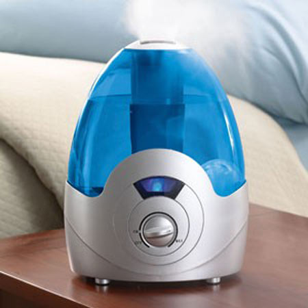A cool steam humidifier