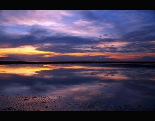 Lovina Beach - photo by edie209 on flickr