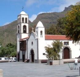 Santiago del Teide church. Photo by Steve Andrews